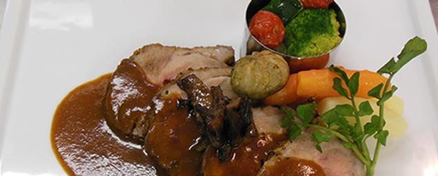 2016年6月18日(土) 「ローストポーク」 ポピュラーな豚肉もソースで一工夫すると見違える味に変身します。
